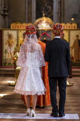Russian couple marrying in an Orthodox Church in Venice