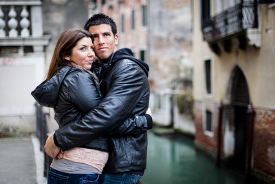 couple hugging during a photo walk in Venice